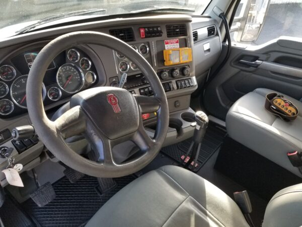 Express Blower TM-45MD Blower Truck Interior