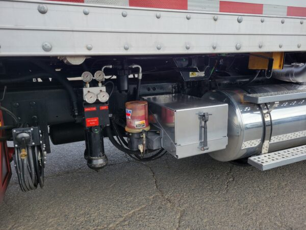 Express Blower EB-60 Blower Truck Lincoln Lube System